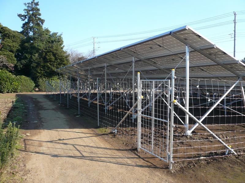 お客様のDIY 太陽光発電所用フェンス